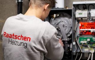 Montage einer Brennstoffzelle - Raatschen Heizung